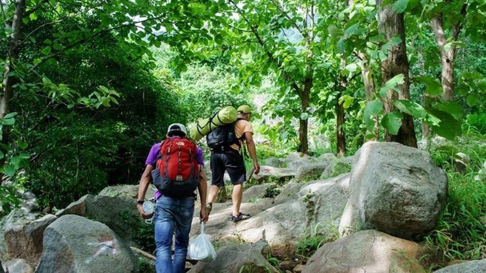 [Ảnh] Hành Trình Chinh Phục Núi Bà Đen – Người Áo Lam